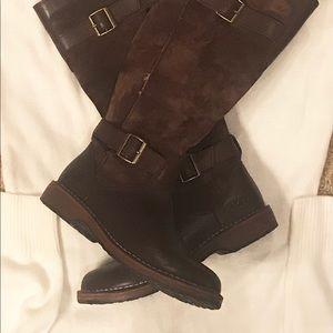 UGG Australia Dunwich Shearling Boots